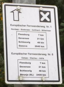Das erste E1 Schild nach der Grenze